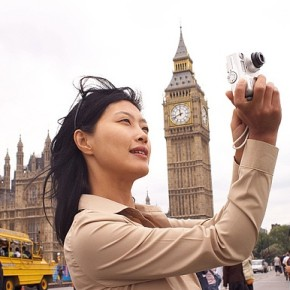China to penalise badly behaved tourists